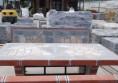 бетонна градинска маса с камък и мозайка (6)
