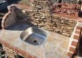 външна мивка с естествен камък