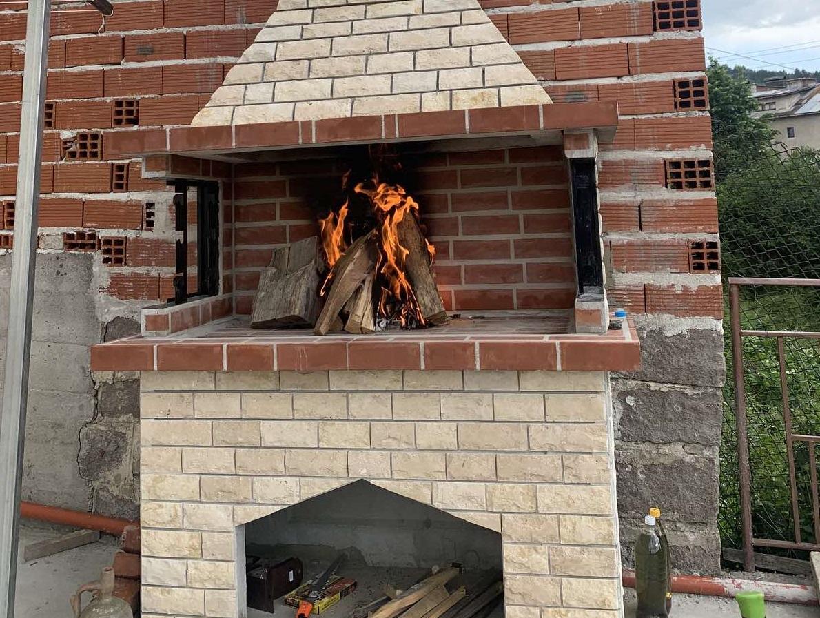 Снимки на монтаж на градинска камина ГЛИЦ в с. Нова Махала